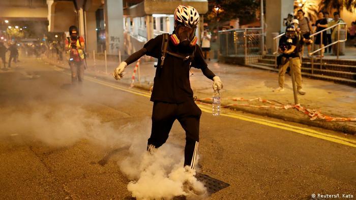Hongkong Tränengas-Einsatz der Polizei (Reuters/I. Kato)