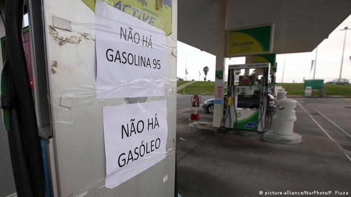 Portugal   Leergetankte Tankstelle