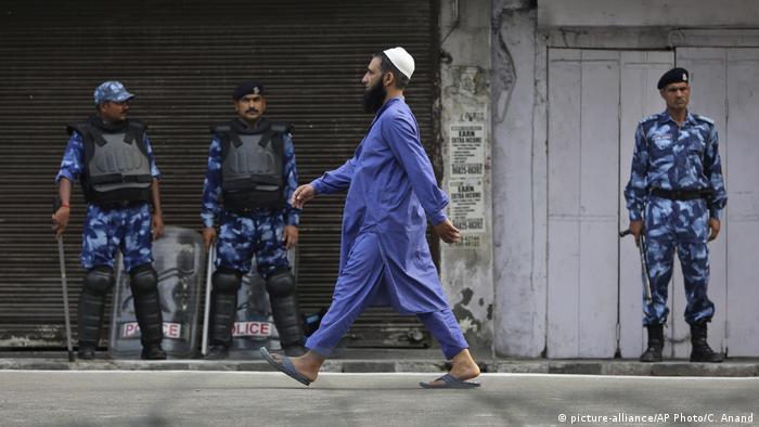 Indien Kaschmir Opferfest (picture-alliance/AP Photo/C. Anand)