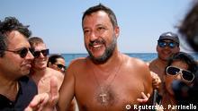 Italien Innenminister Matteo Salvini am Strand in Taormina