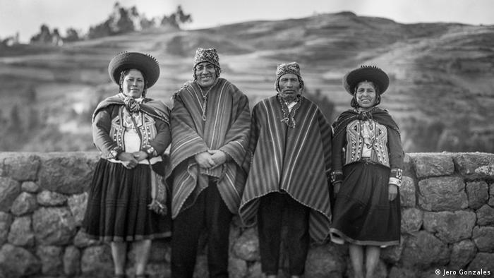 """Herederos de tradiciones milenarias, los habitantes de Chinchero """"orgullosamente presiden un espacio que reúne los vestigios de una de las más grandes culturas precolombinas y un paisaje magnífico que atrae a turistas del mundo entero, ávidos no solo por visitar Machu Picchu sino por disfrutar de la paz y belleza de este valle"""", subraya la petición para frenar el aeropuerto."""