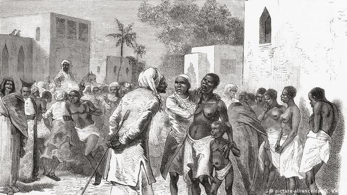 Picture from 1878 depicting a slave market in Zanzibar (picture-alliance/dpa/K. Welsh)