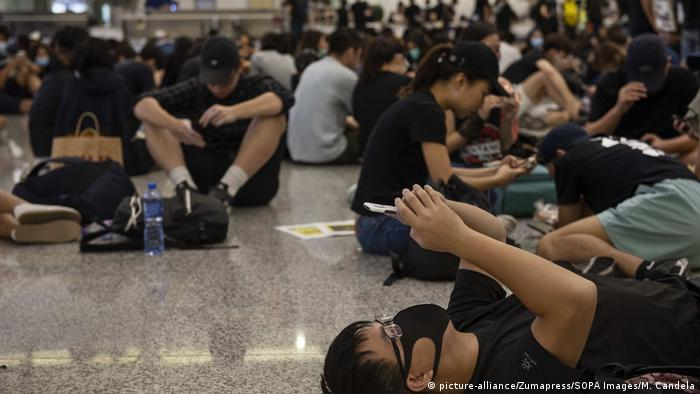 Hongkong Proteste am International Airport (picture-alliance/Zumapress/SOPA Images/M. Candela)