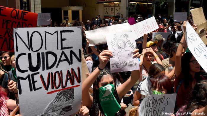 No me cuidan, me violan es la acusación de las mujeres contra la Policía de México.