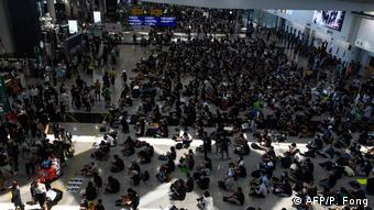 Hongkong Internationaler Flughafen Proteste (AFP/P. Fong)