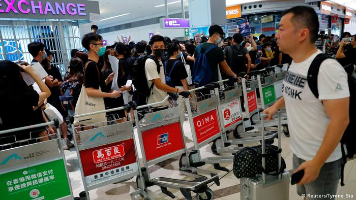 Hongkong Internationaler Flughafen Proteste (Reuters/Tyrone Siu)