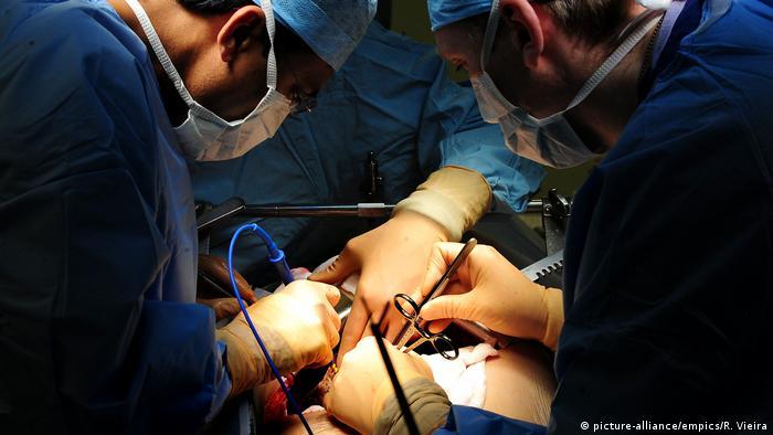 Symbolfoto Chirurgie in Großbritannien
