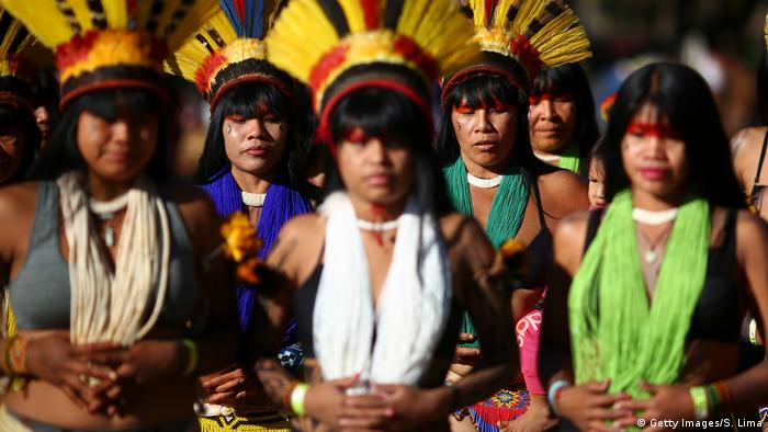 Brasilien, Protest indigener Frauen (Getty Images/S. Lima)