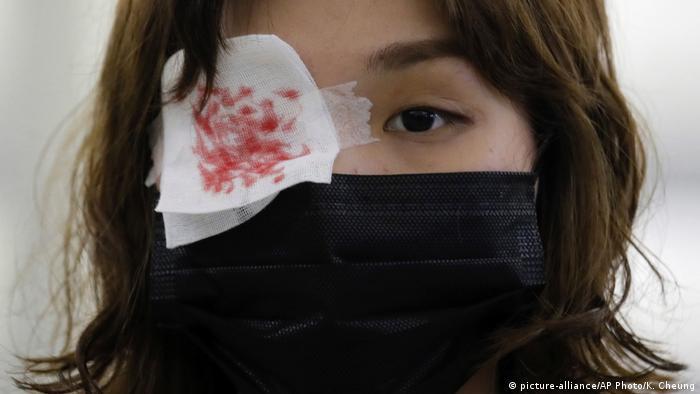 向中共施压 示威者再度瘫痪香港机场
