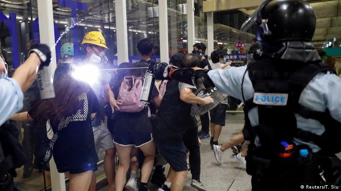 China, Hong Kong - Unruhe