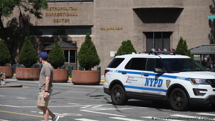 Fall Epstein | Nach Epsteins Tod Gefängnisdirektor wurde versetzt (picture-alliance/Zumapress/V. Carvalho)