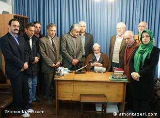 آیت الله منتظری در دیدار با جمعی از اعضای «کانون مدافعان حقوق بشر ایران» در روز جهانی حقوق بشر