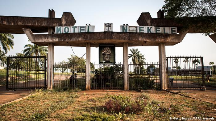 DR Kongo Ruine des Hotels Nzekele in in Gbadolite (Getty Images/AFP/J. Wessels)