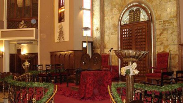 Neve Shalom Synagoge Istanbul Innenansicht (Foto: Wikipedia/DW)