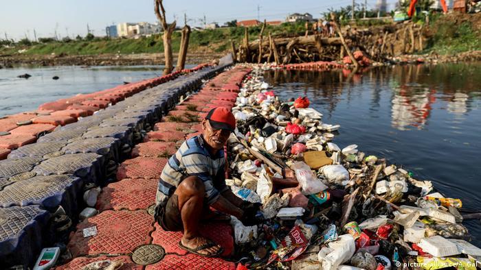 Indonesien, Jakarta: Alltagsleben (picture-alliance/A. Gal)