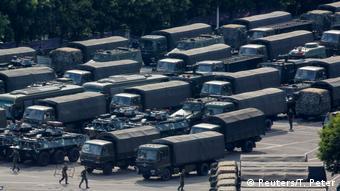 China, Shenzhen: Peking droht Hongkong mit Gewalteingriff (Reuters/T. Peter)