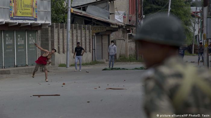 Kaschmir Protest & Unruhen in Srinagar (picture-alliance/AP Photo/D. Yasin)