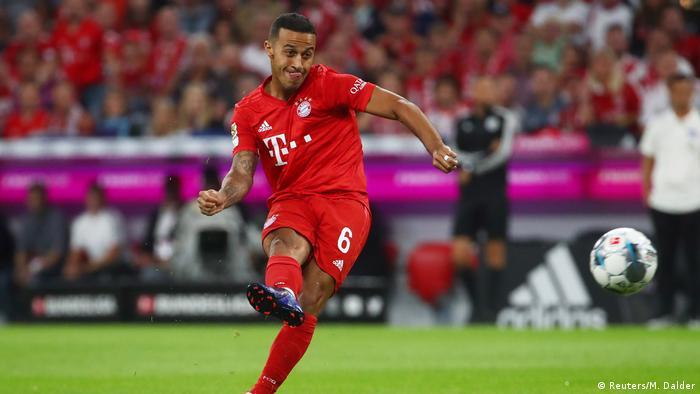 1. Bundesliga 01. Spieltag | FC Bayern München vs. Hertha BSC Berlin | Thiago (Reuters/M. Dalder)