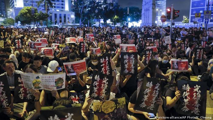 Hongkong Protestkundgebung vor dem Chater Garden