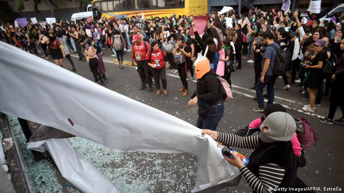 Mexiko Frauenprotest (Getty Images/AFP/A. Estrella)