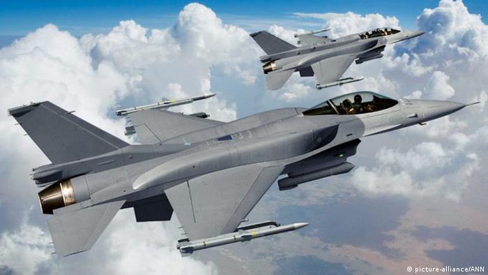 Kampfjet 66 F-16V (picture-alliance/ANN)