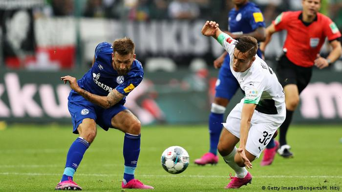 1. Bundesliga 01. Spieltag | Borussia Mönchengladbach vs. FC Schalke 04 (Getty Images/Bongarts/M. Hitij)