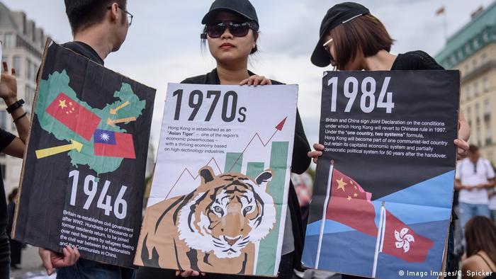 Berlin Prostest gegen Polizeigewalt in Hongkong