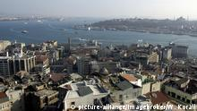 View of Istanbul (picture-alliance/imagebroker/W. Korall)