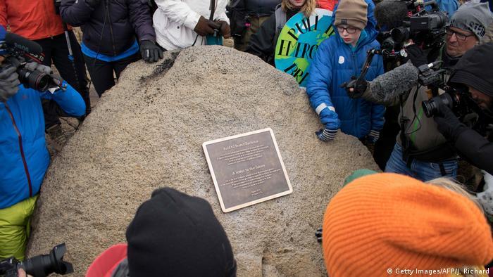 Island ehemaliger Gletscher Okjökull | Zeremonie anlässlich seines Verschwindens (Getty Images/AFP/J. Richard)