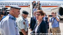 Kramp-Karrenbauer in Jordanien (picture-alliance/dpa/M. Kappeler)