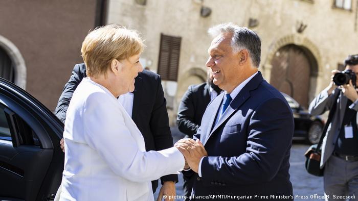 Napeti odnosi: Angela Merkel i Vikro Orban u Augustu 2019. godine