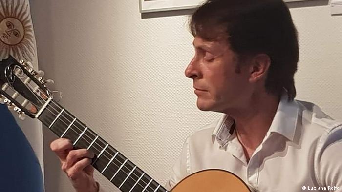 Damián Cazeneuve, músico argentino