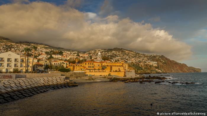 Madeira: Blick auf die Altstadt von Funchal