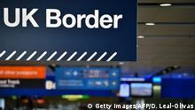 Schild mit Aufschrift UK Border