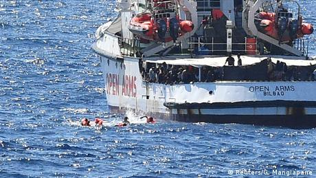 Open Arms: Διαιωνίζεται το θέατρο του παραλόγου στη Μεσόγειο