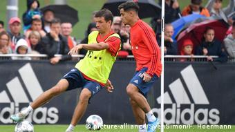 Fußball Training Bayern München | Thomas Müller und Coutinho