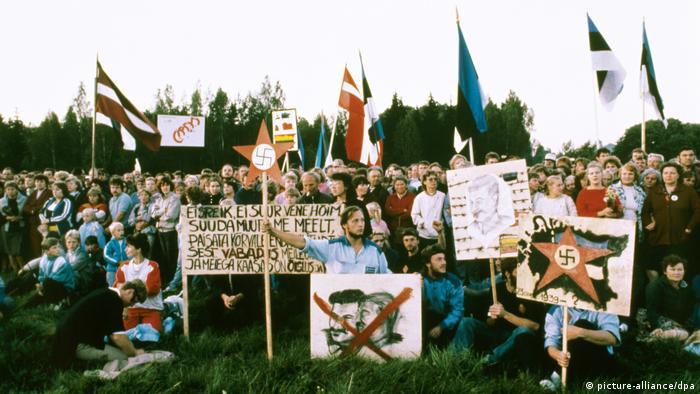 Manifestação das repúblicas bálticas soviéticas pela independência, no 50 º aniversário do Pacto Hitler-Stalin, em 1989