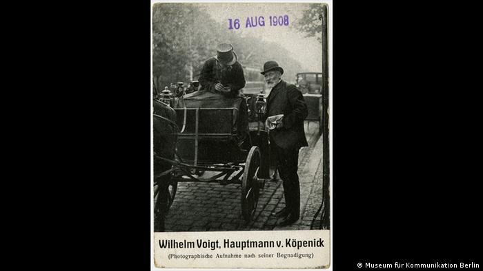 A historical postcard of Wilhelm Vogt, Captain of Köpenick (Museum für Kommunikation Berlin)