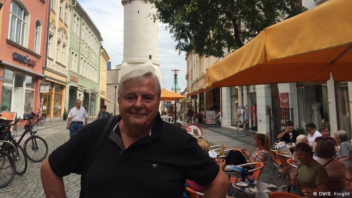 Engenheiro aposentado Christian Haase na cidade de Bautzen