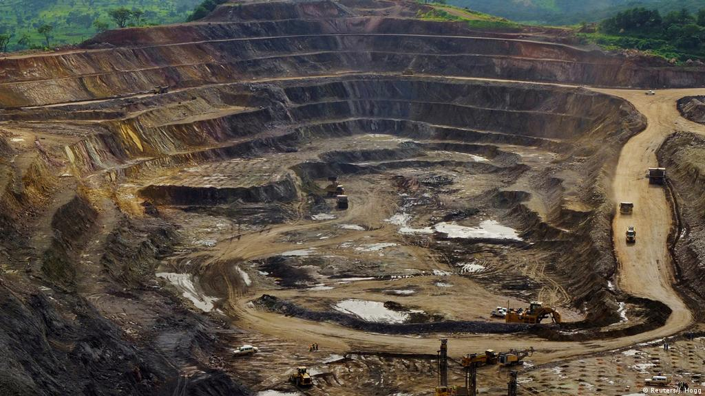 Glencore′s closure of Congolese cobalt mine ′could backfire′ | Business|  Economy and finance news from a German perspective | DW | 20.08.2019