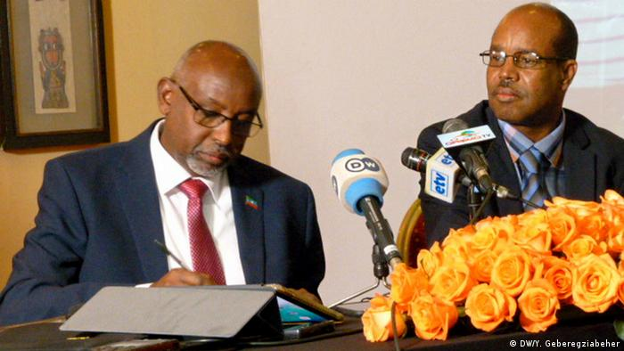 The ONLP hold a press conference Addis Ababa