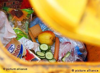 Gomila namirnica koje su jestive završava u smeću