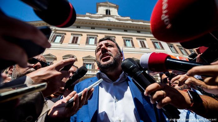 Regierungskrise in Italien (picture-alliance/dpa/A. Carconi)