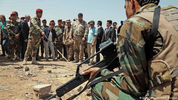 Irak Kurdistan AKK bei Peschmerga Training (Getty Images/AFP/S. Hamed)