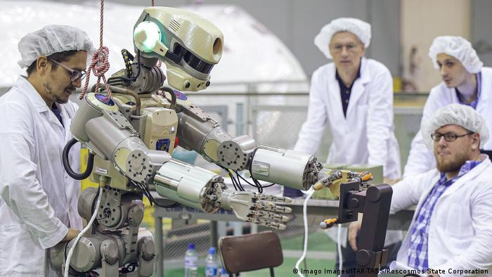 Конструкторы готовят российский робот FEDOR