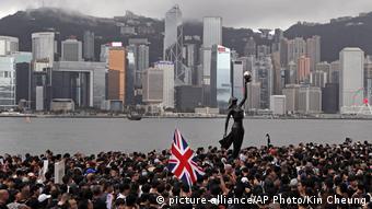 Hongkong Proteste (picture-alliance/AP Photo/Kin Cheung)