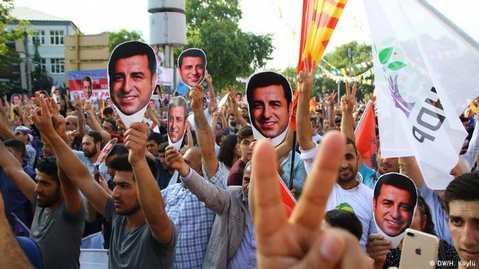 Türkei HDP Anhänger und Unterstützter Selahattin Demirtas