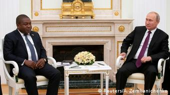 Russland Mosambik Filipe Nyusi bei Putin