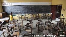 Liberia leeres Klassenzimmer einer Schule in Monrovia