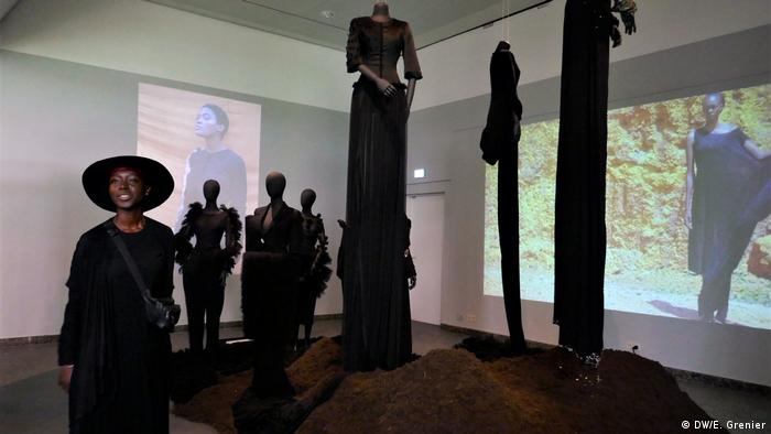Lamula Anderson and her installation (DW/E. Grenier)